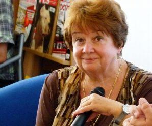Dnes aktuálne emeritná učiteľka, poetka a humoristka Eva Jarábková Chabadová