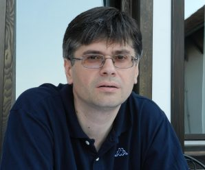 Dnes aktuálne srbský  humorista a recenzista Aleksandar Cotric