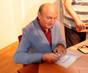 Dnes aktuálne Vladimír Pavlík, slovenský rekordér v rýchlokreslení karikatúr a člen Redakčnej rady Humorikonu