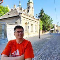 Dnes aktuálne srbský spisovateľ Aleksandar Čotrić
