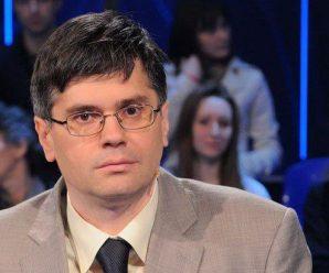 Dnes aktuálne srbský spisovateľ a humorista Aleksandar Čotrić