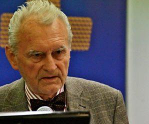 Dnes aktuálne profesor Jaroslav Husár, alias Chuck Norris