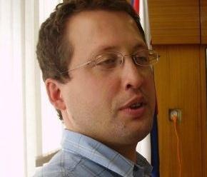 Dnes aktuálne slovenský básnik, filozof a humorista Tomáš Turner
