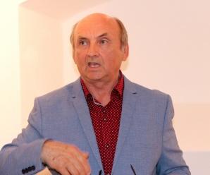 Dnes aktuálne slovenský karikaturista, riaditeľ Novomestského ostňa Vladimír Pavlík